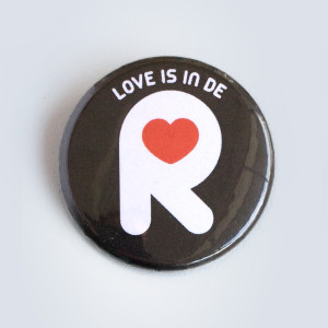 LoveisindeR button